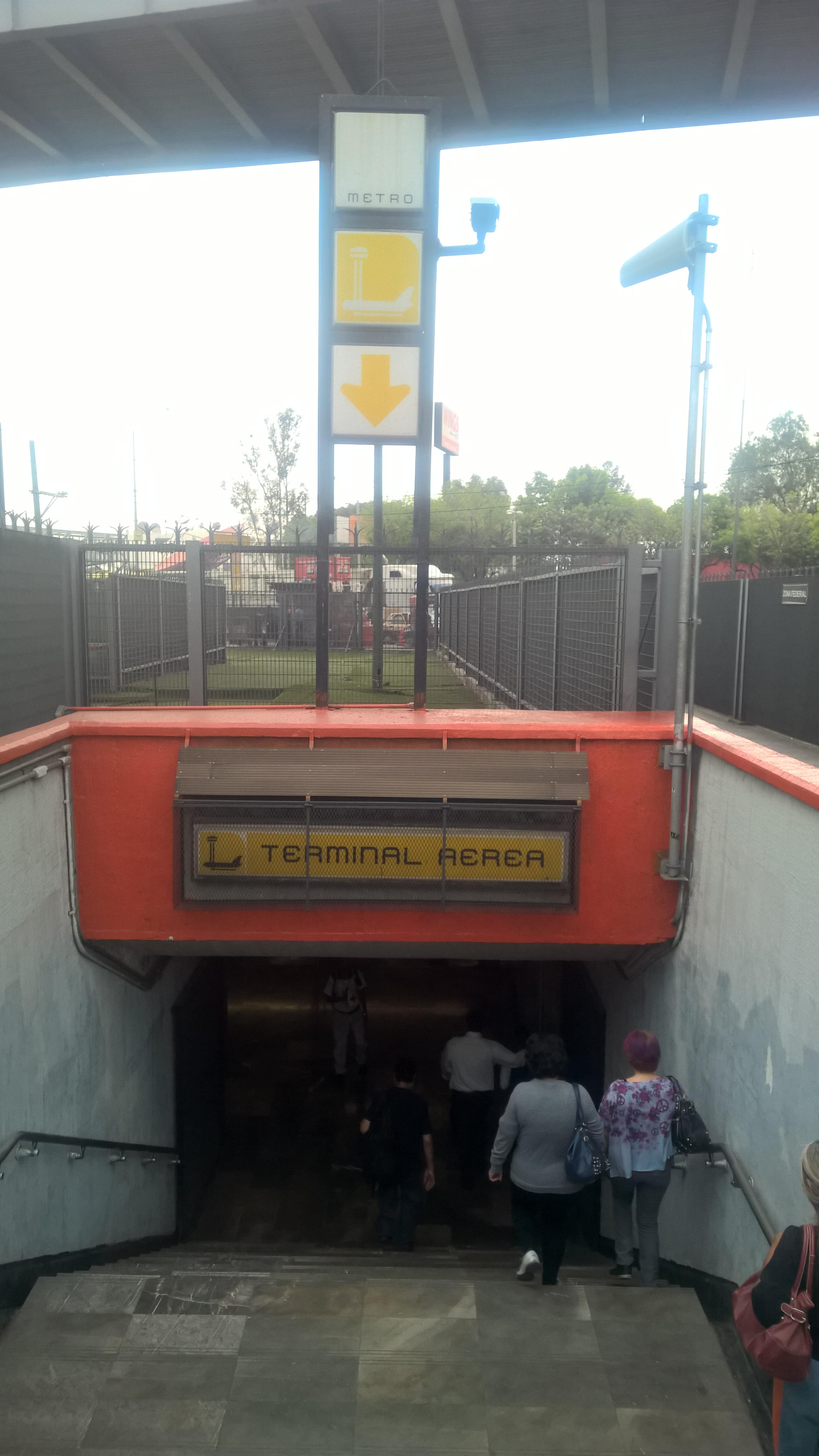 знакомства с разделением на станции метро