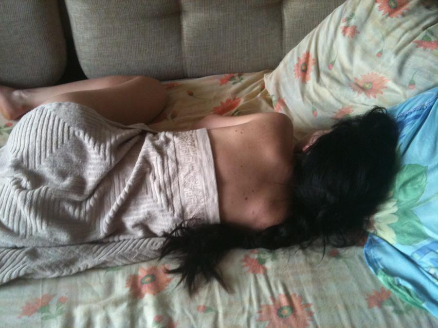 Сунул спящей а она проснулась