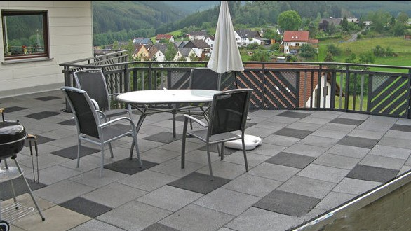 outdoor tiles for balcony