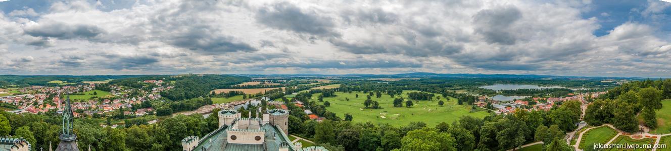 панорама с замка глубока над влтавой в чехии