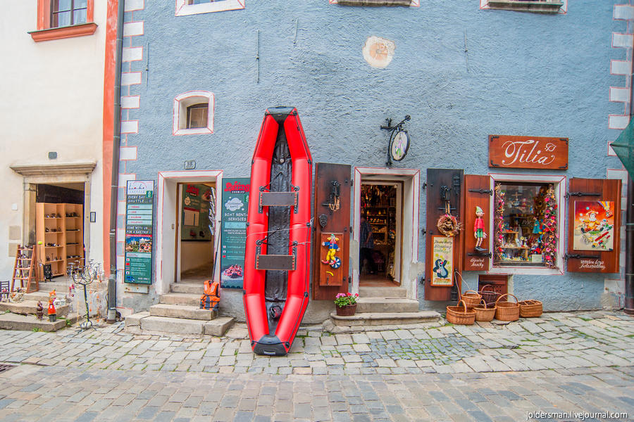 взять лодку напрокат в чешском крумлове
