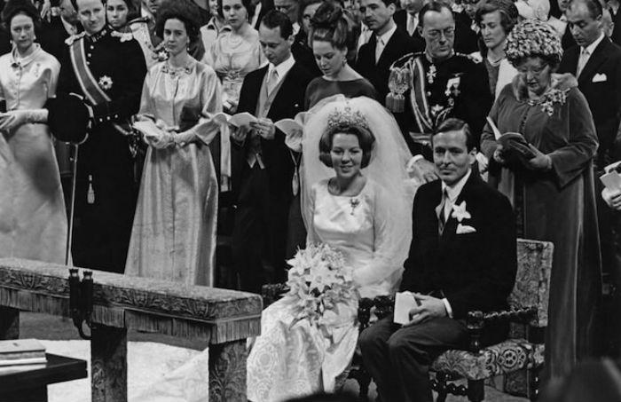 Свадьба будущей королевы Беатрикс с немецким дипломатом Клаусом фон Амсберг.jpg