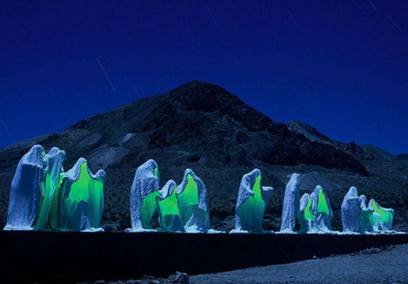 9-Альберт Шукальский - Тайная вечеря - США Долина смерти.jpg