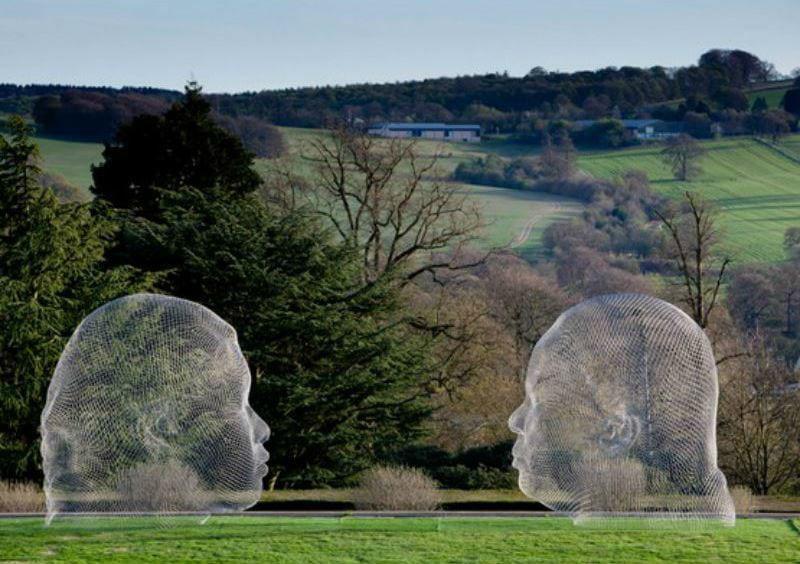 15-Жауме Пленса - Нурия и Ирма - Йоркширский парк скульптур - Англия.jpg