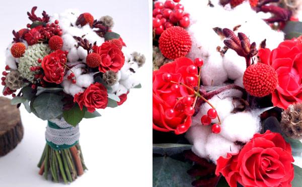 свадебный букет с хлопком и розой