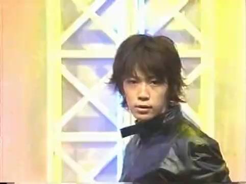 2001 01 19 - music station - arashi medley - kame y jin bacdancers 3632
