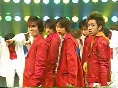 2001 01 19 - music station - arashi medley - kame y jin bacdancers 8202
