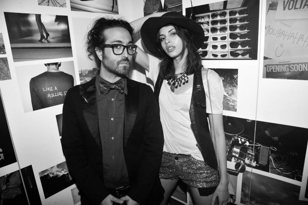 zadig-voltaire_031-sean-lennon-and-charlotte-kemp-muhl-2_1500_0_resize_90