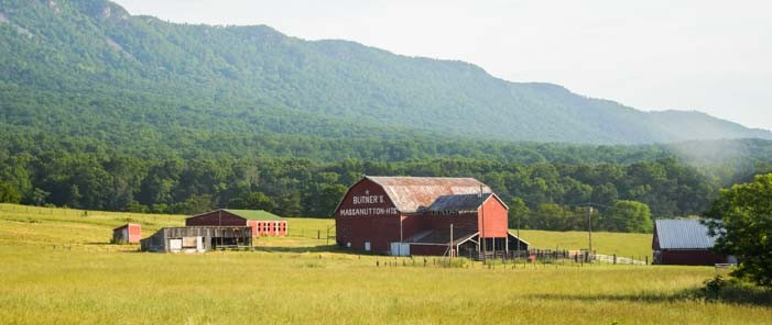 15-701-Virginia-farm-near-the-Blue-Ridge-Parkway