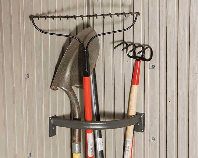Приспособление для хранения садового инструмента