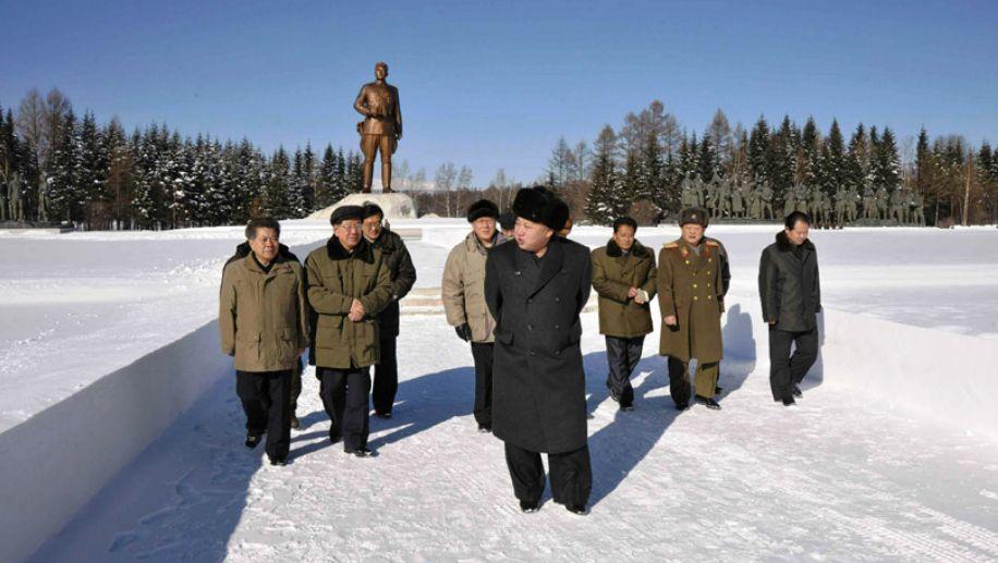 Ким Чен Ын совершил поход по местам революционной и боевой славы у озера Самчжи