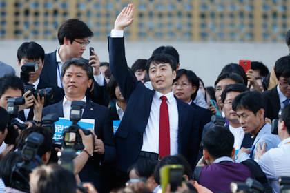Южнокорейского депутата Патриота Ли Сок Ки приговорили к 12 годам тюрьмы