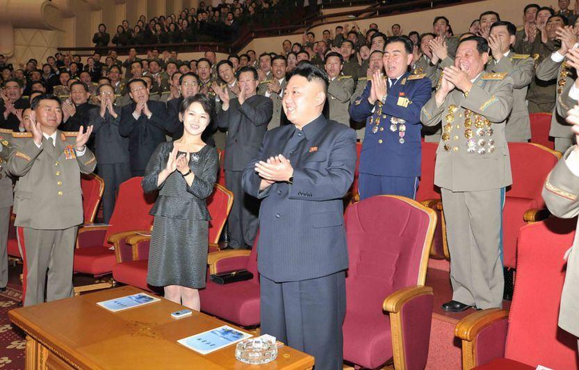 Полководец Ким Чен Ын со своей супругой
