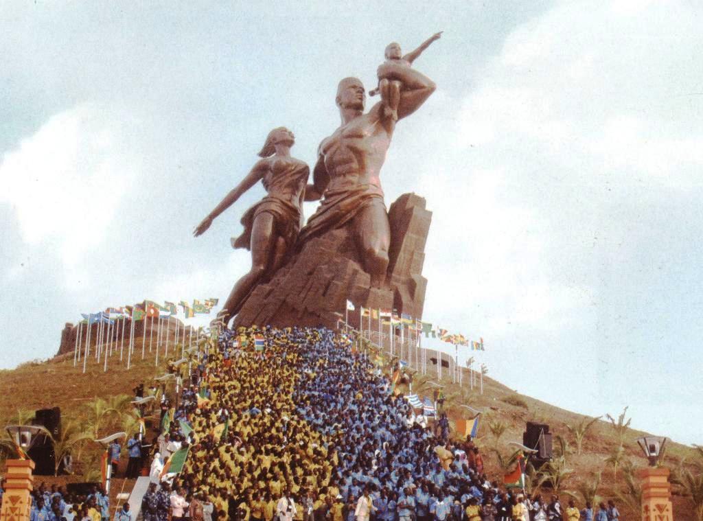 Монумент студии Мансуде в Гвинеи, как пример подлинного Интернационализма и Дружбы Народов