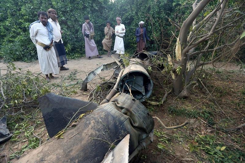 обломки ракеты сбитой ПВО Саудовской Аравии