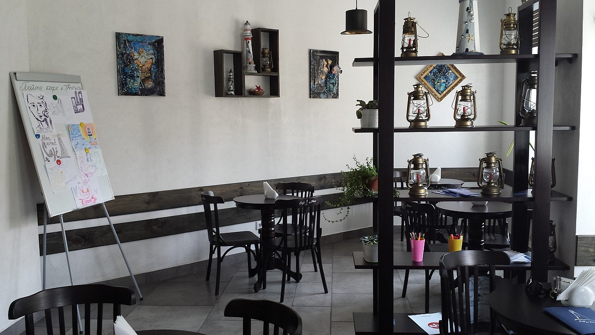 Кофейня Le Phare в Бресте. Интерьер