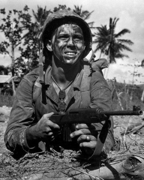 9 мая американский солдат на плакате