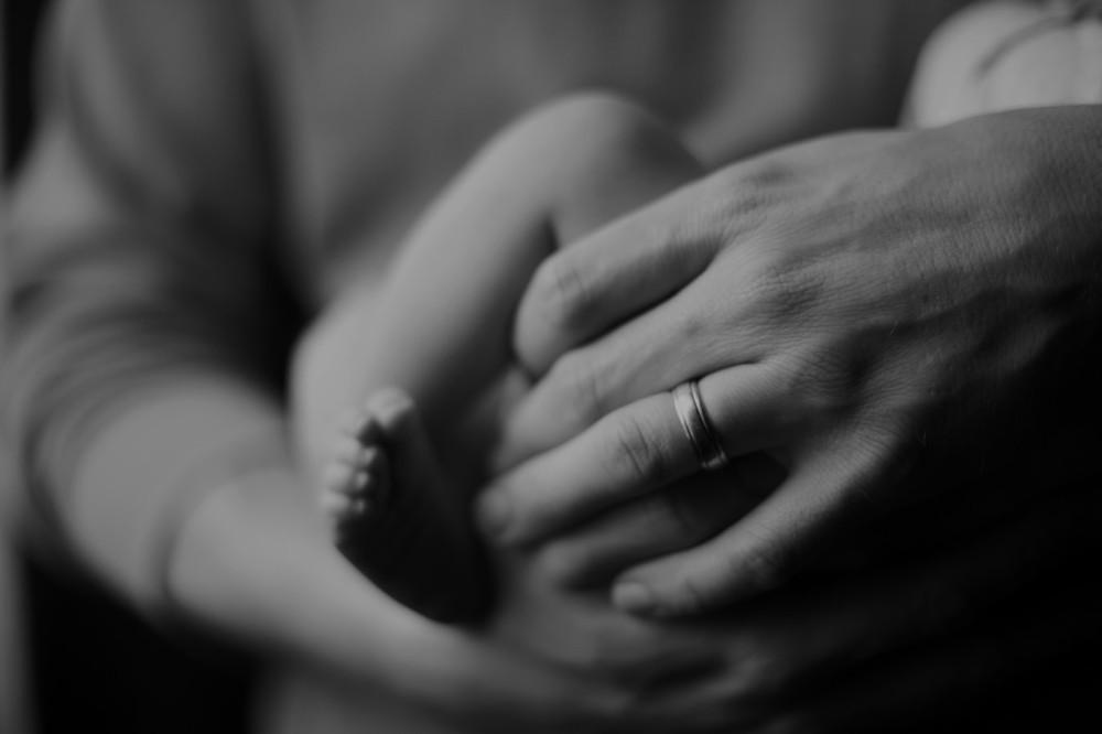 Мужчина родил ребенка от женщины. Дожили!