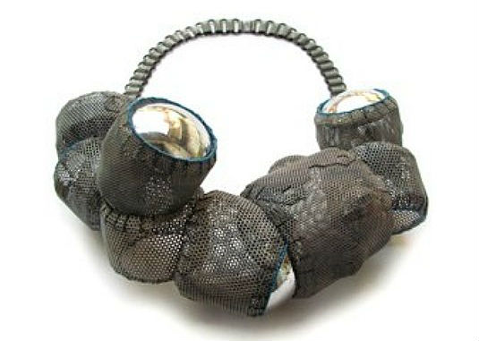 neobychnye-ukrasheniya-amulety-ot-dany-hakim-2