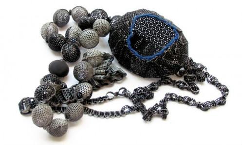 neobychnye-ukrasheniya-amulety-ot-dany-hakim-6-497x299