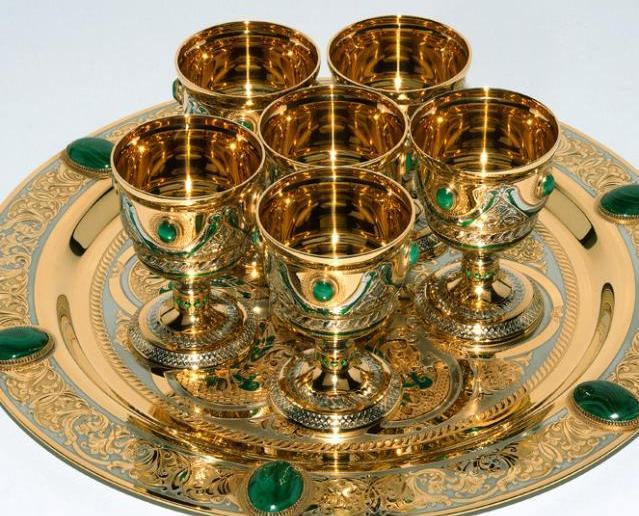 посуда из золота