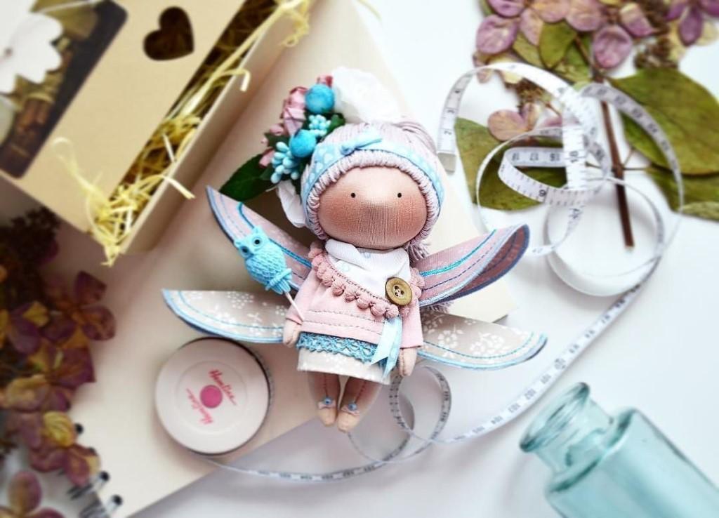 Очень интересные и очаровательные куколки ручной работы!