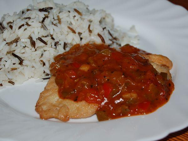 Индейка под томатно-хренным соусом