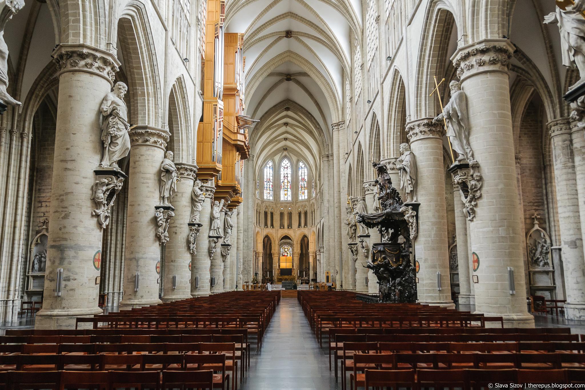 Про Брюссель, часть 9: костелы