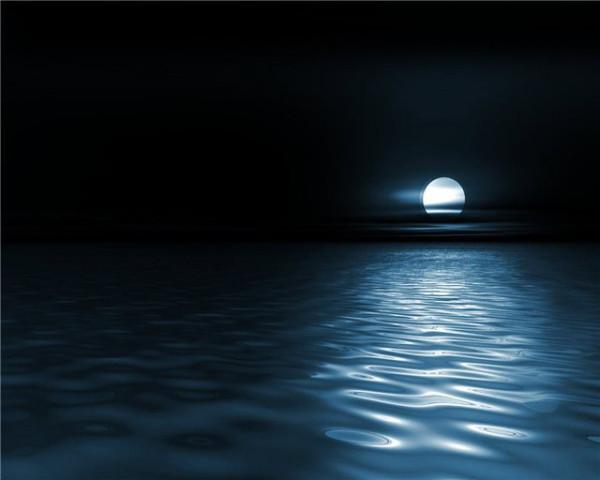 Серебрится лунная дорожка
