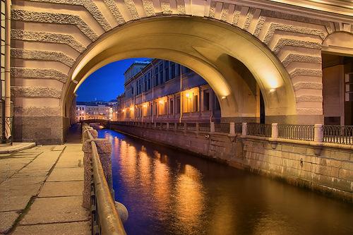 питер под мостом подсветка
