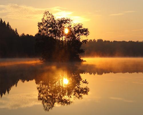 отражение солнца в воде