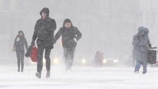 закружился снег на улице2