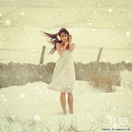 голые плечи и снег