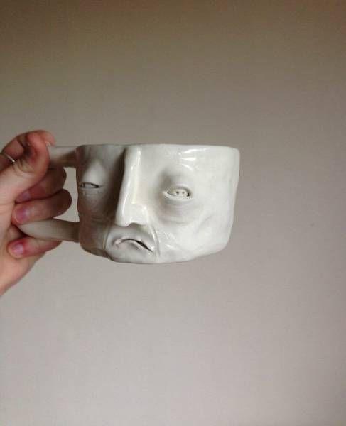 чашка-гримаса