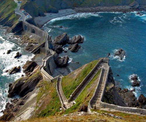 2 лестница над морем испания