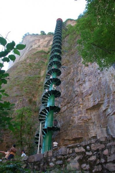 3 спиральная лестница в Тайханшань китай