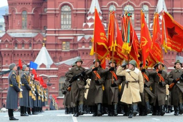 7 ноября парад знамена