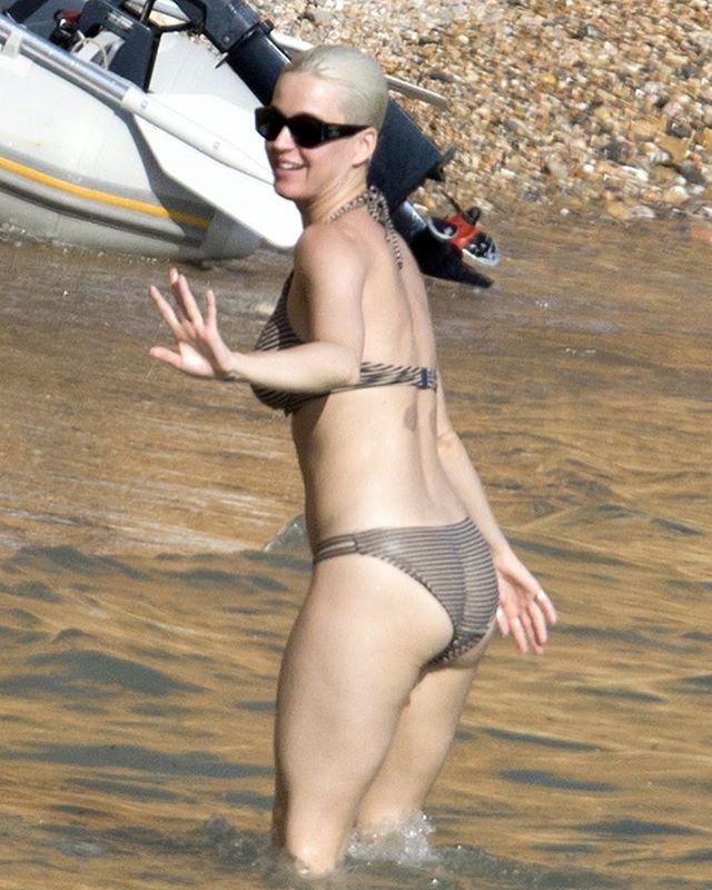 Кэти Перри на пляже пляж/бикини