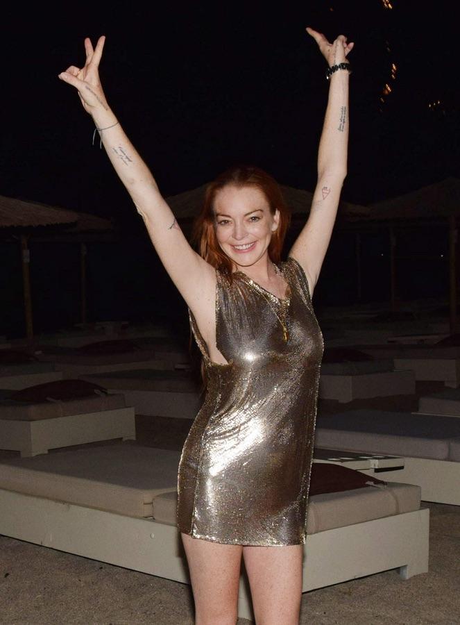 Линдси Лохан отметила свой день рождения в Греции
