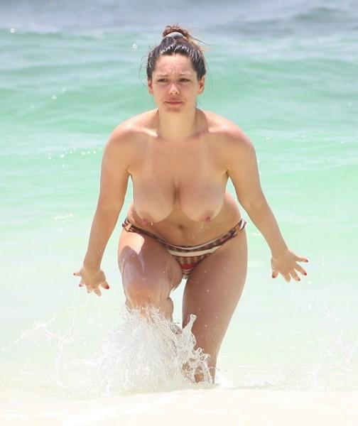 Kb_Topless_160613_021