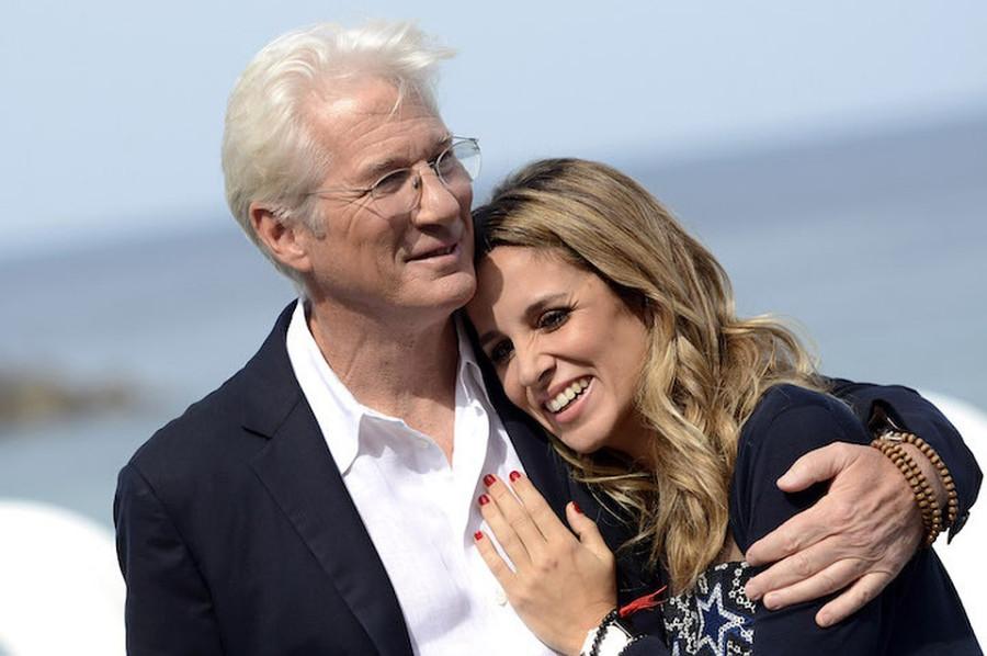 Ричард Гир станет отцом во второй раз актер, Сильвы, станет, слухам, поженились, начался, роман, апреле, этого, обоих, Испании, несколько, супругов, ребенок, вторым, Гомер, Альберт, назад, женой, познакомился