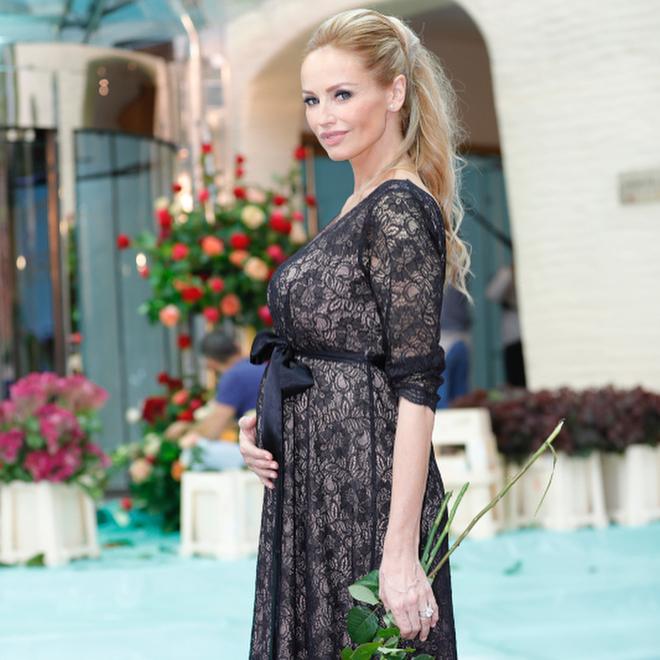 Адриана Скленарикова впервые стала мамой