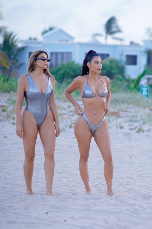 Ким Кардашян на пляже Кардашян, прошлой, неделе, время, фотосъемки, пляже, Майами