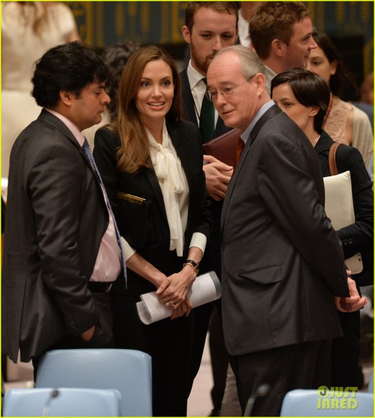 angelina-jolie-united-nations-security-council-meeting-05
