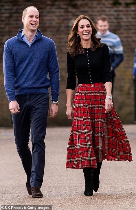 Королевская пара посетила рождественскую вечеринку