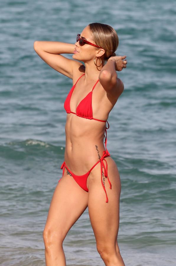 Джасмин Сандерс на пляже отдыха, Майами, время, неделе, Сандерс, прошлой, Джасмин