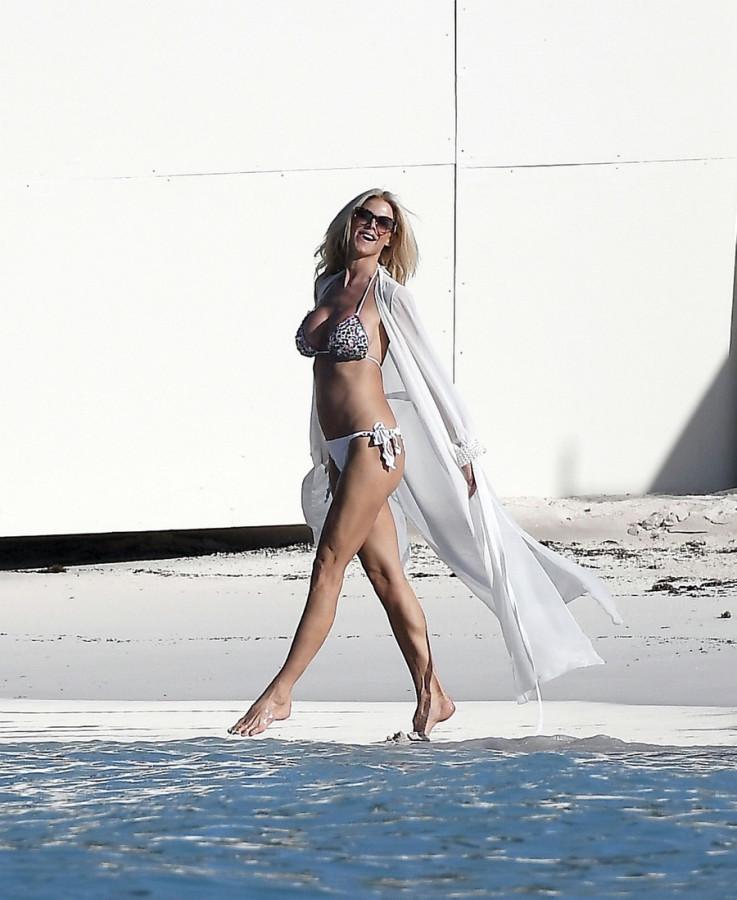 И снова пляж: Виктория Сильвстедт на отдыхе victoria silvstedt