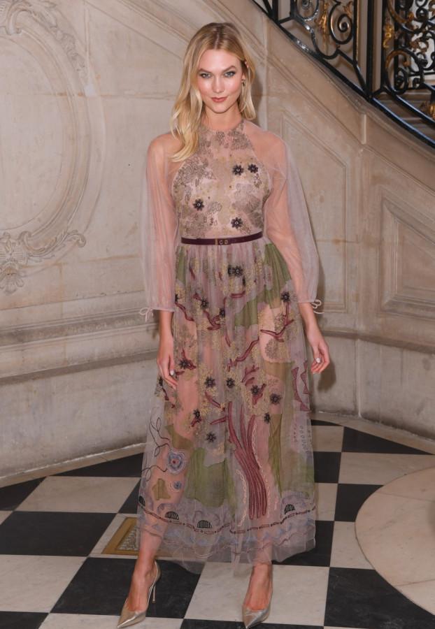 Звезды на модном показе Christian Dior в Париже