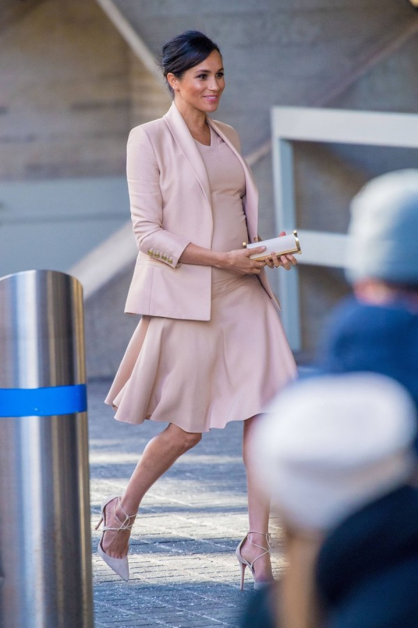 Меган Маркл посетила Королевский национальный театр meghan markle, монархи, меган маркл