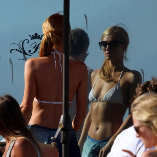 Paris Hilton on the beach in Malibu_072713_10